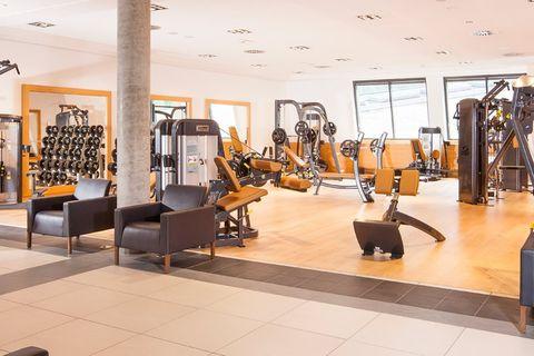 LE-040602-Aqua-Dome-Fitnessstudio-8766-min